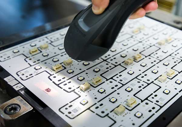 Reparti - Elettronica - SMT (Surface Mounting Technology) | RICO